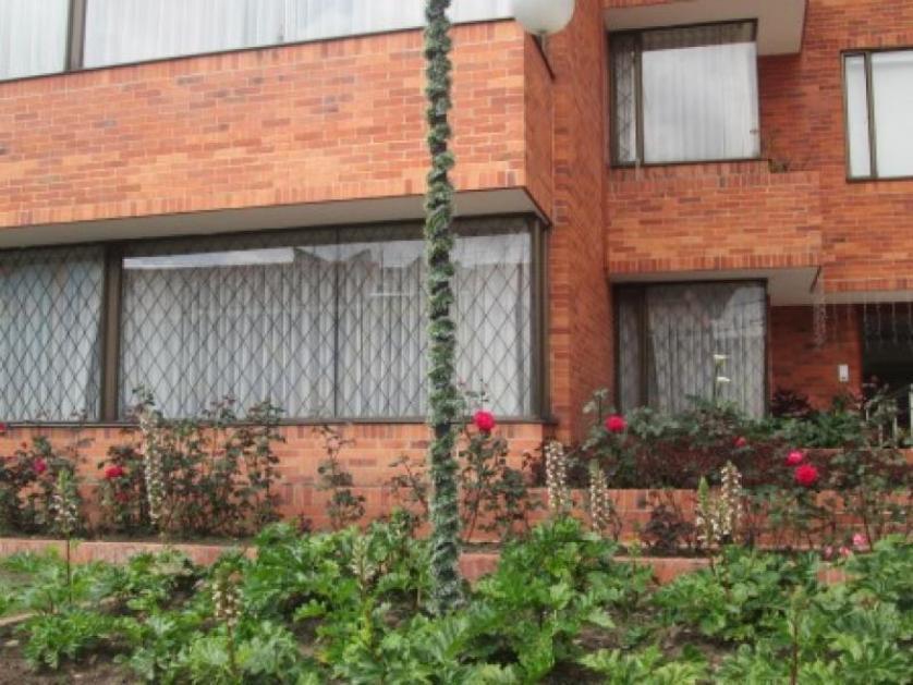 Cod VCYF17415 APARTAMENTO en VENTA en Bogota SANTA BARBARA