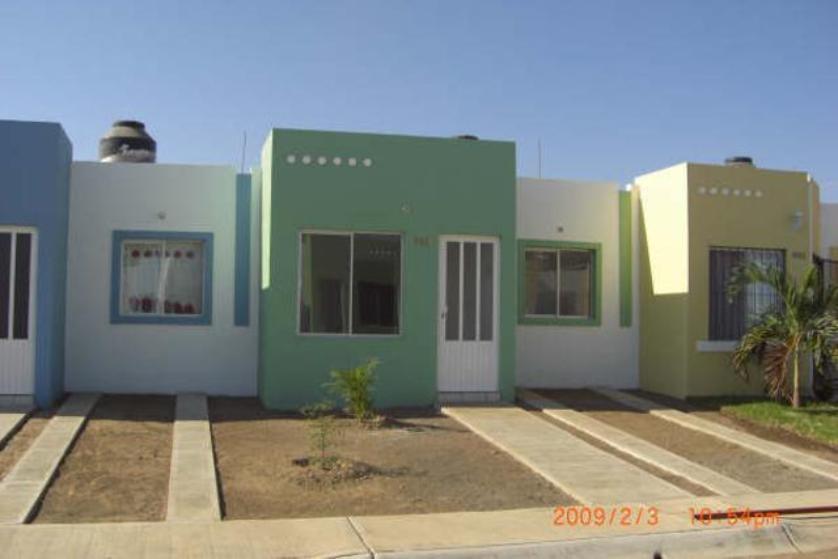 Renta casa en tulipanes residencial villa de lvarez for Casas en renta en colima