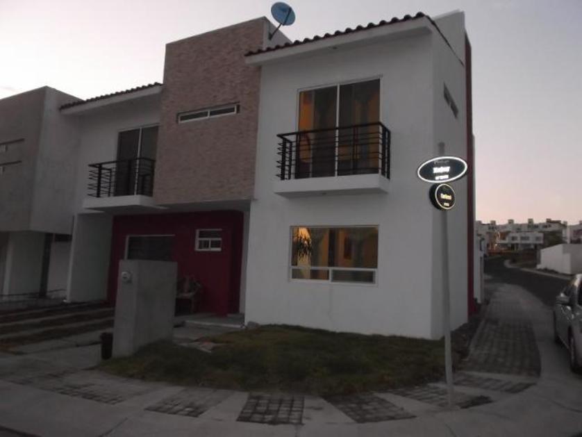 Casas econ micas en renta en residencial el refugio for Casas en renta en queretaro