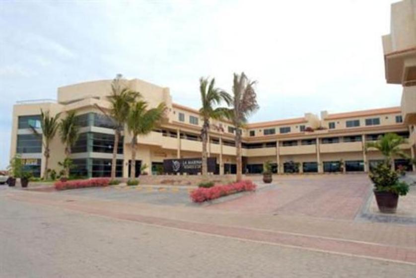Local comercial en Renta Av. Marina Mazatlan 2202. Interior 22, Marina Mazatlán, Mazatlán