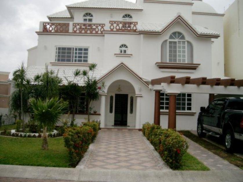Renta casa en condominio en zona hotelera canc n for Casas en renta en cancun
