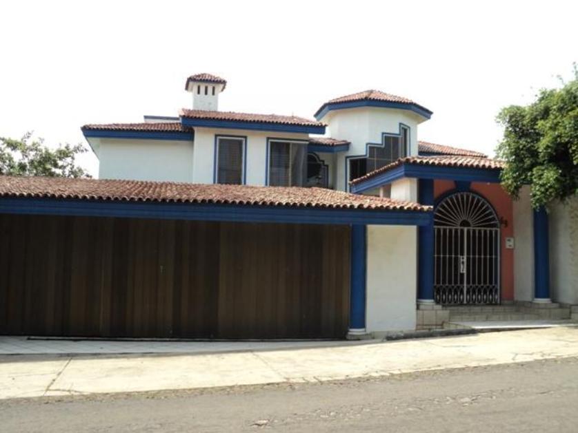Casas en venta en colima for Casas en renta en colima