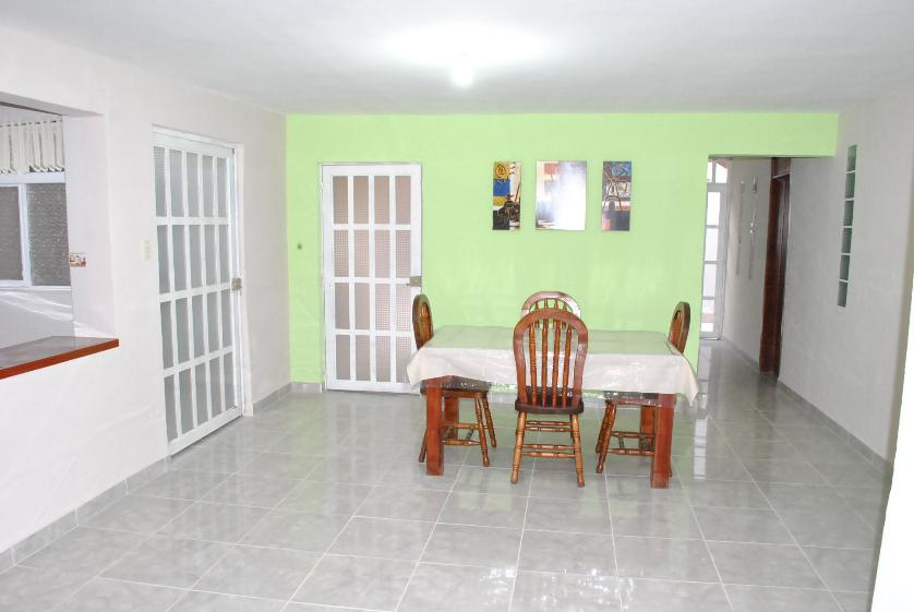 Renta casa en lomas 1a secc san luis potos for Habitaciones para universitarios