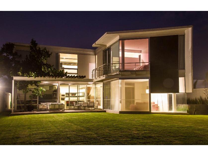 Venta casa en juriquilla quer taro 11807 for Casa moderna en venta queretaro