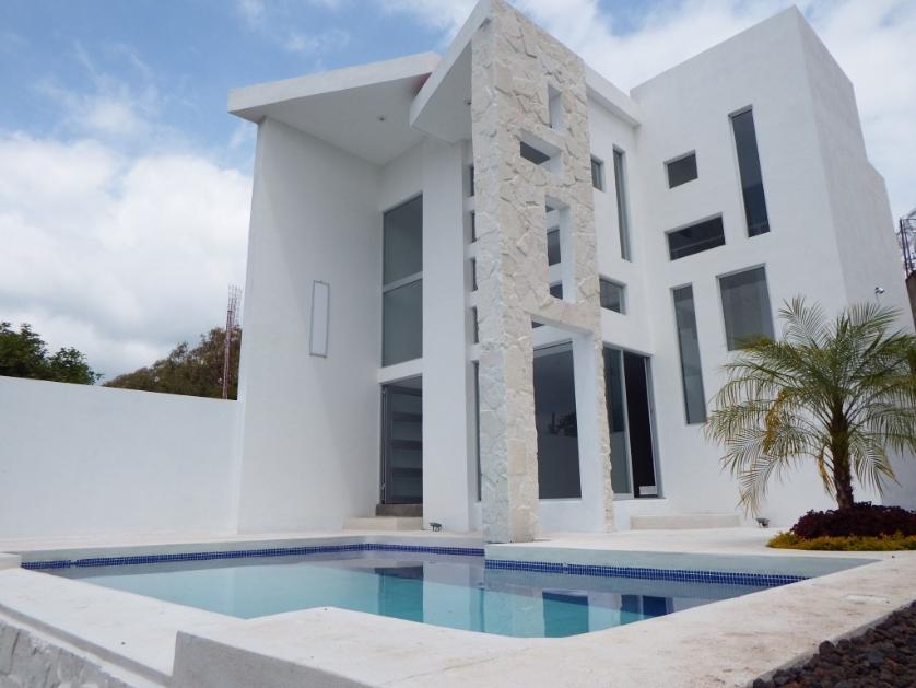 Venta casa en jardines de tlayacapan tlayacapan 69810 for Casa minimalista con alberca