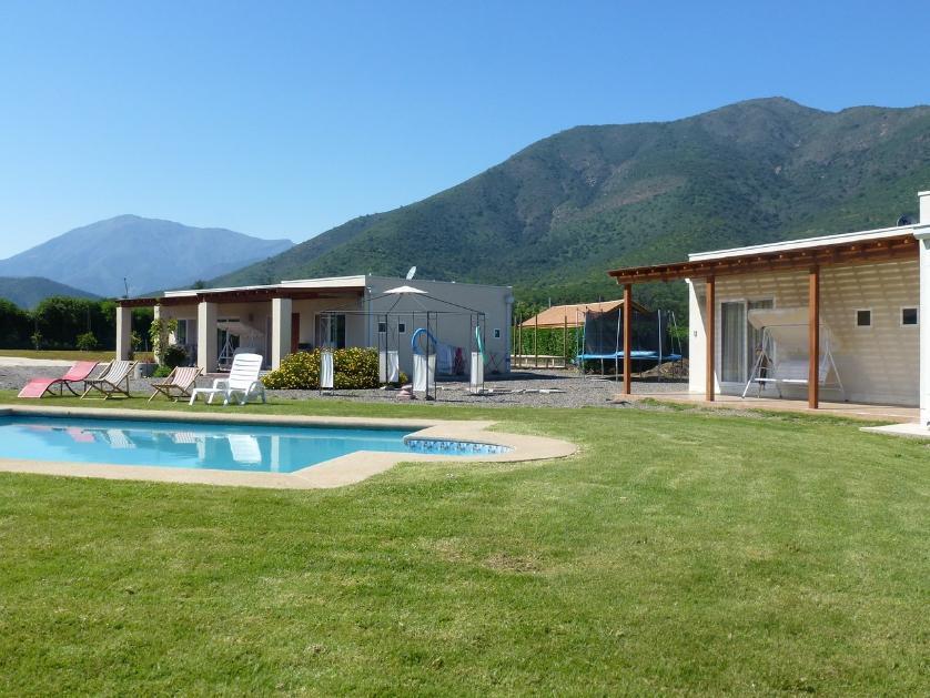 Propiedad con dos casas estilo mediterráneo en Olmue