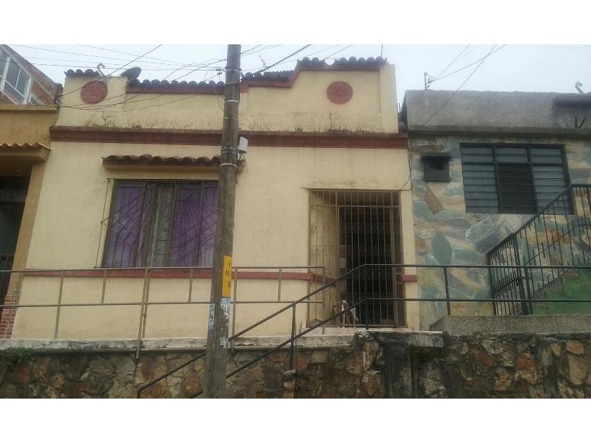 Casa en Venta en Los Libertadores, Cali