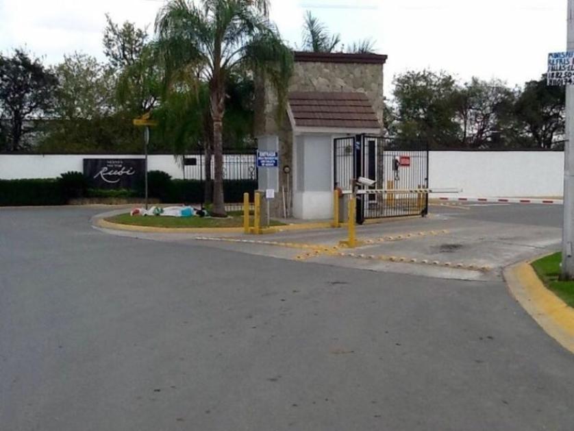 Venta casa en nexxus residencial sector diamante general for Casas en escobedo