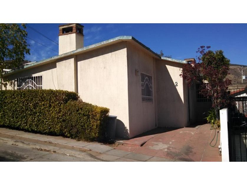 Casa en Venta Av Ruiz 2090, Zona Centro, Arboledas, Priv. Girasoles, Ensenada Centro, Ensenada