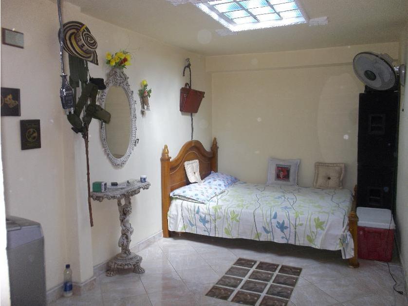 Casa en Venta Calle 70 A No. 94 D - 18, La Campiña, Medellín