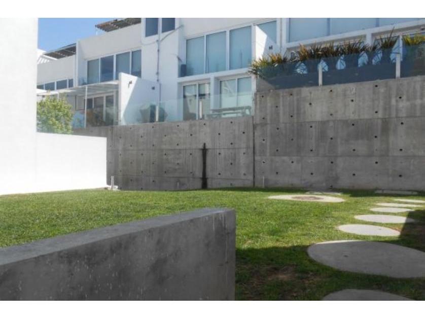 Renta casa en condominio en lomas doctores chapultepec for Renta casa minimalista tijuana