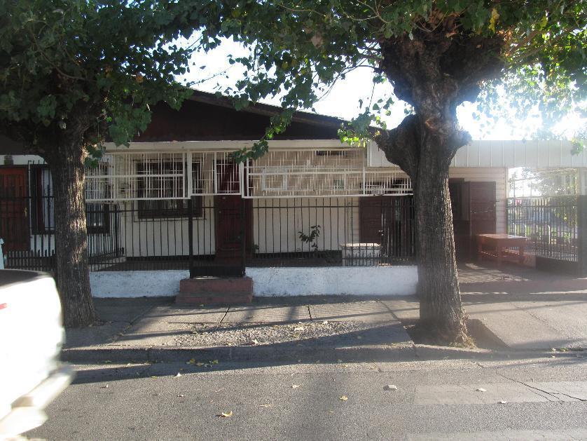 Casa apta para Local en Venta Venida Real Audiencia Con Ruíz De Gamboa, Población Vicente Pérez, Chillán, Ñuble