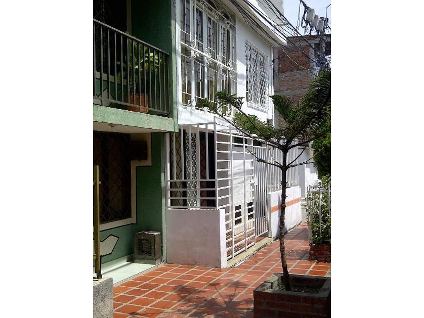 Casa en Venta Calle 72c 28d3, Calipso, Cali