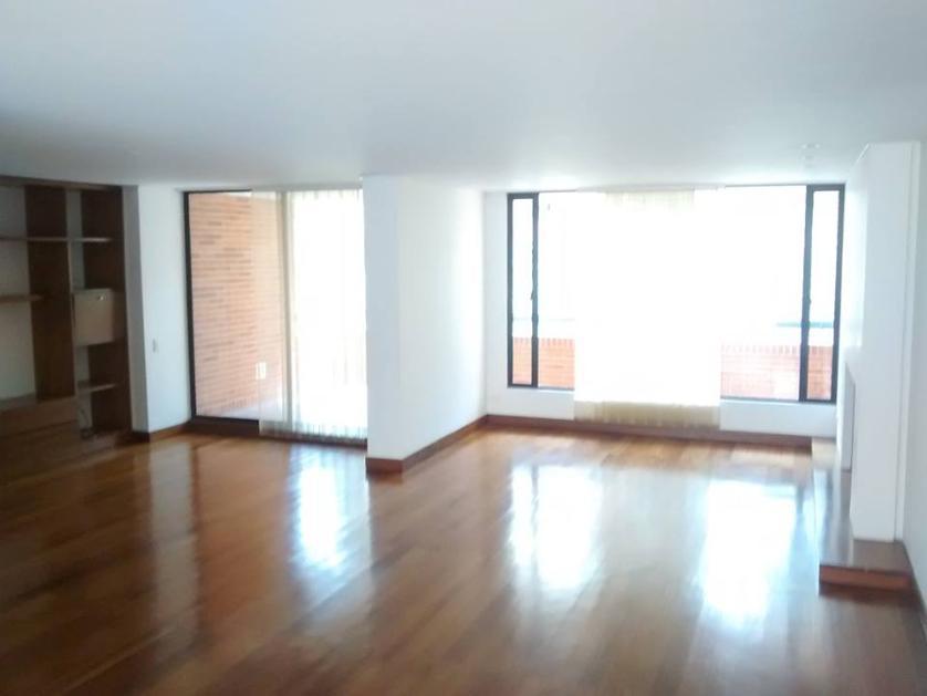 Apartamento en Arriendo en Calle 145 Carrera 7, Sierras Del Moral, Bogotá