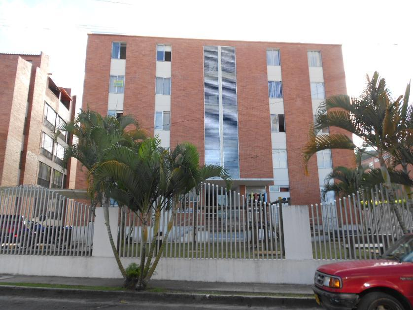 Apartamento en Venta en Calle 2 # 7 - 43, La Pola, Ibague