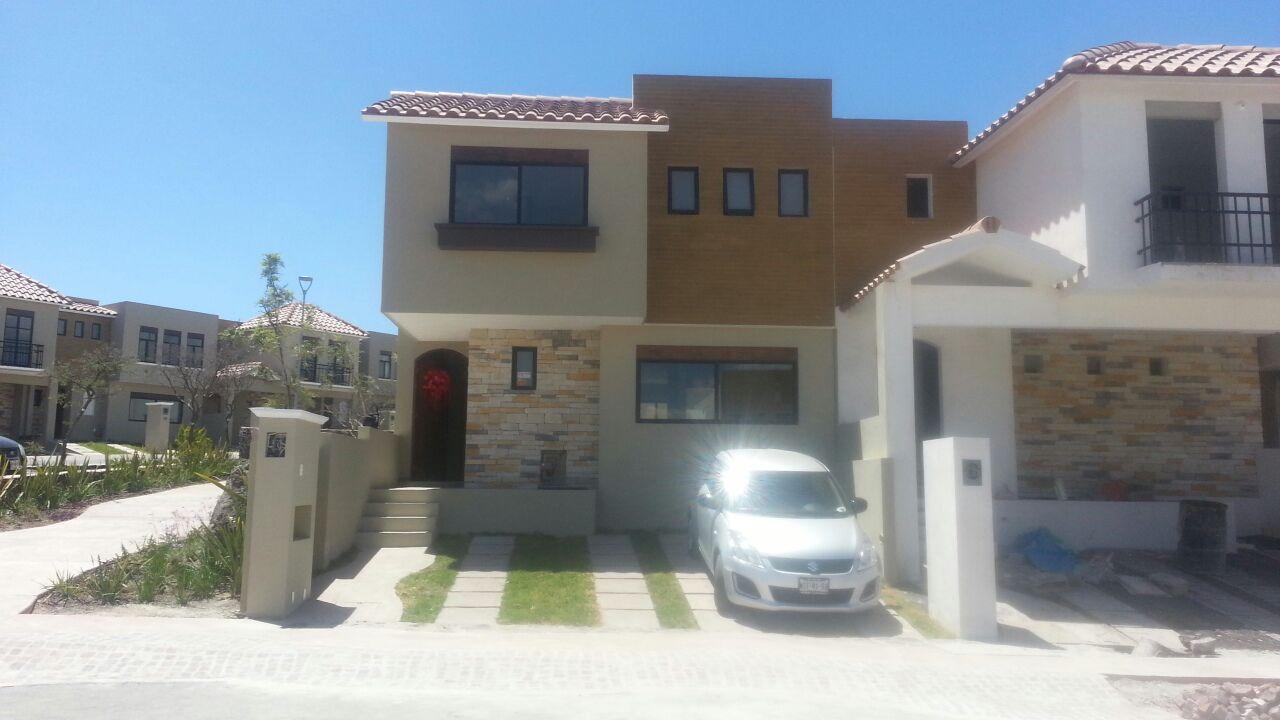 Renta casa en condominio en fraccionamiento zibat el for Casas en renta en queretaro
