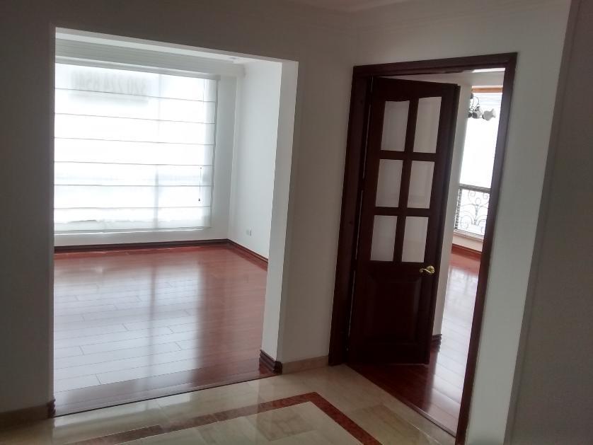 Apartamento en Arriendo en Calle 114a # 16-28, San Patricio, Bogotá