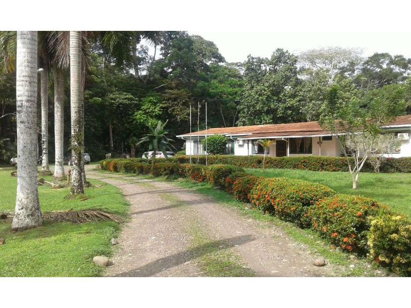 Finca en Venta en Urbanización Los Almendros Casa 24, Apartadó, Antioquia