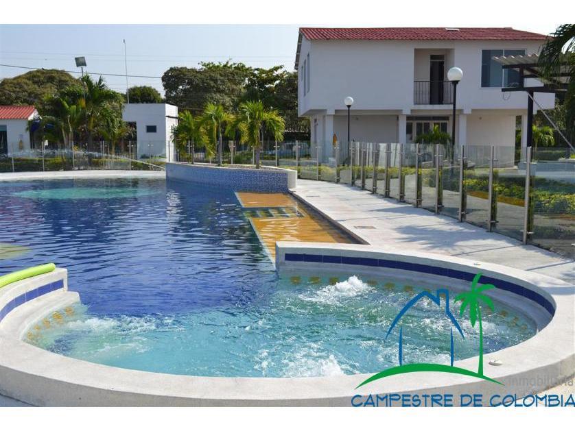 Casa en Venta Condominio Cerca A Girardot, Blanco, Girardot