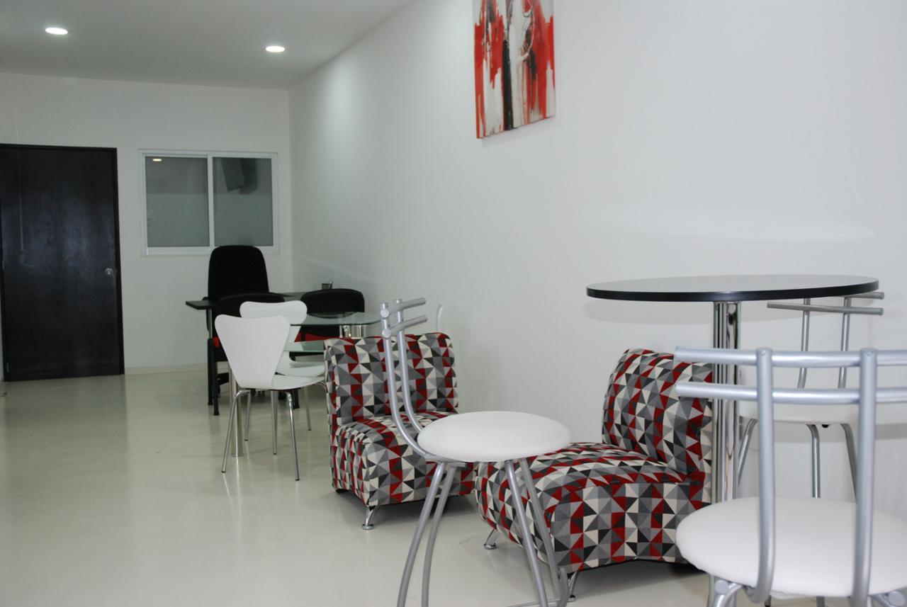 Oficina en Renta Blvd. Bernardo Quintana #4030 Local 33 Plaza El Punto, Querétaro