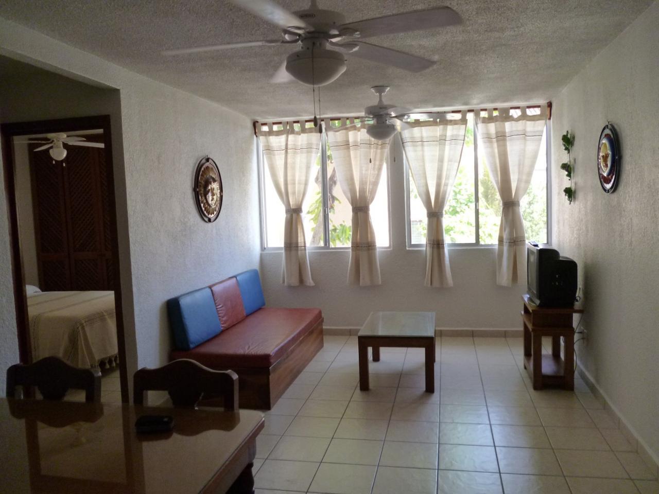 Renta departamento en bahias de huatulco oaxaca 475212 for Decoracion minimalista para departamentos