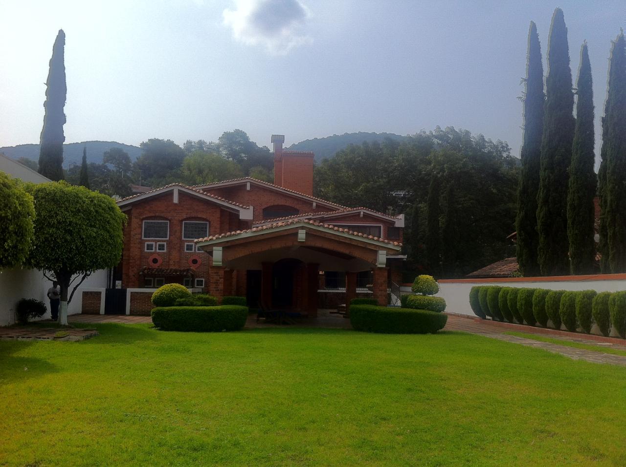 Venta casa en valle de bravo m xico 498783 for Casas en valle de bravo