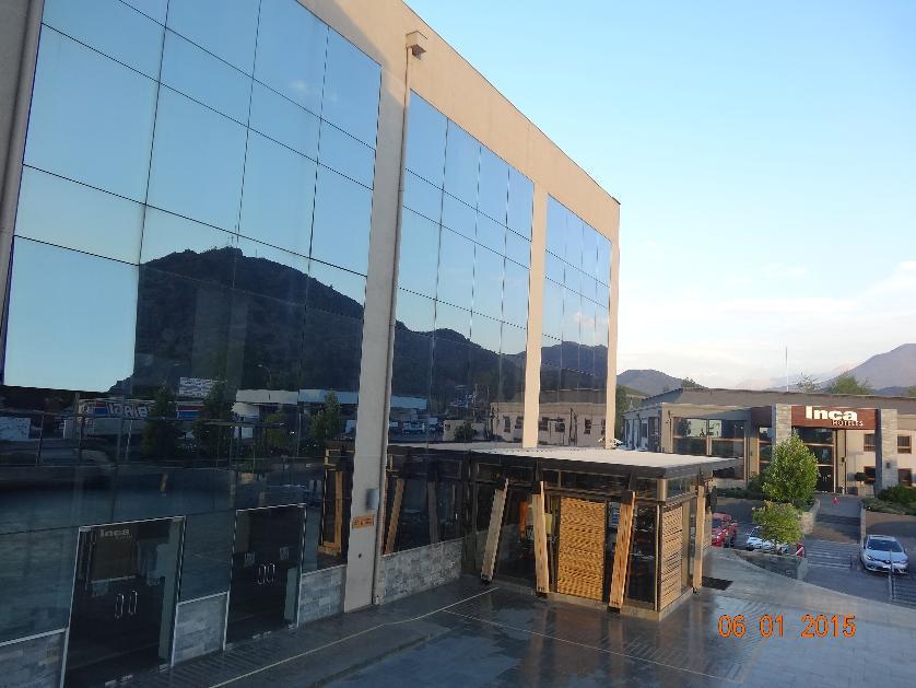 FERNANDEZ ESCOBAR Vende Oficina Comercial Los Andes