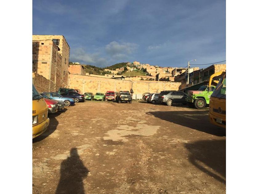 Se vende lote industrial y comercial barrio Alfonso Lopez 1345 m2