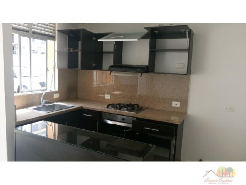 Apartamento en Venta en Av. 5b # 61 -23, Urbanización La Flora, Cali