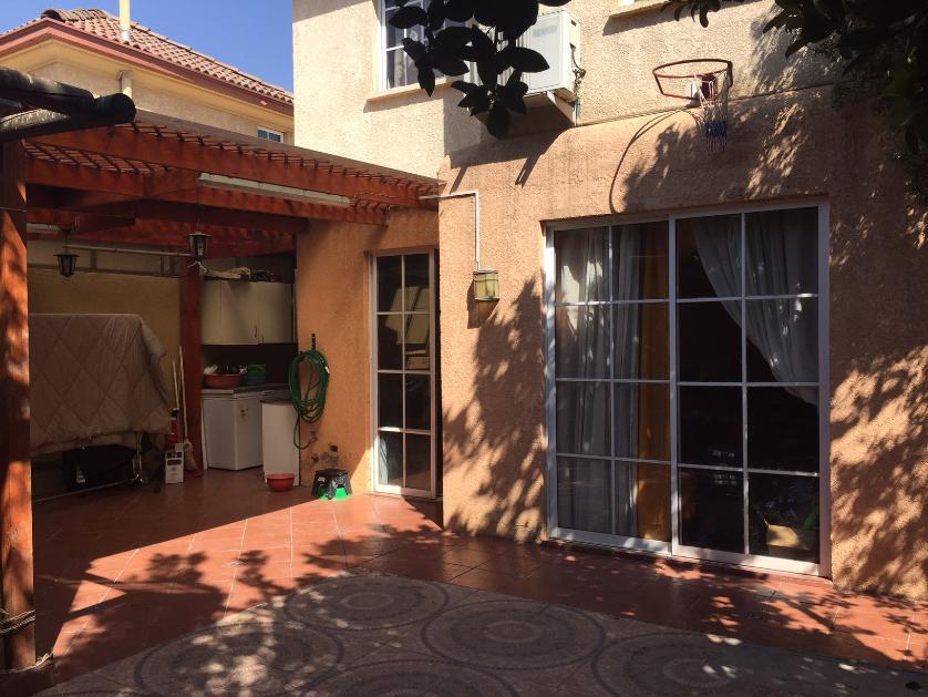 Excelente condominio El Solar, 2 pisos