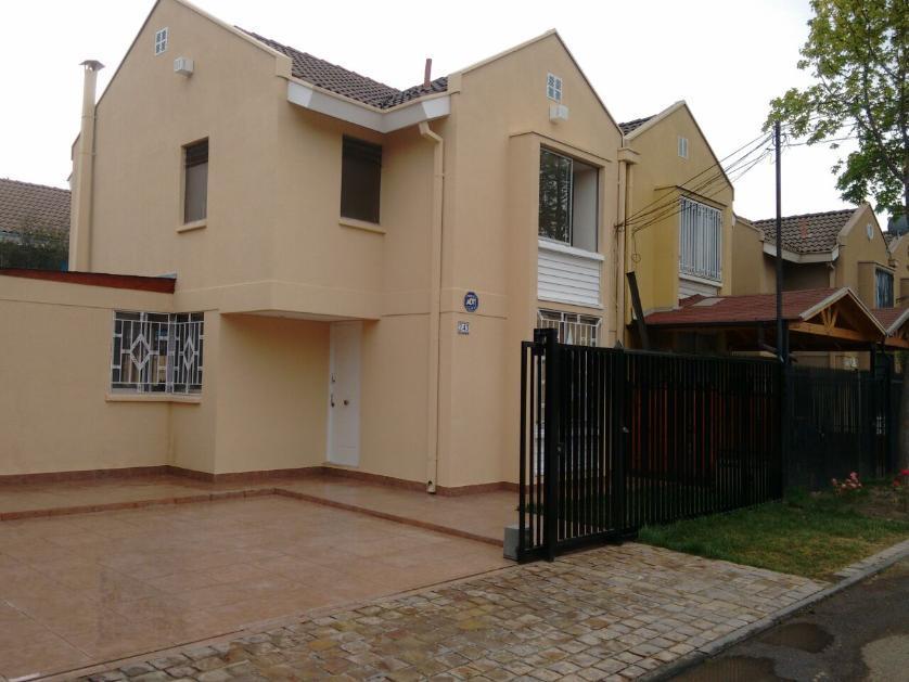 Se vende hermosa casa, excelente estado, Quilicura