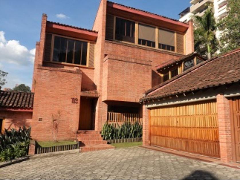 Casa en Venta Calle 10 # 26 - 18, Poblado, Medellín