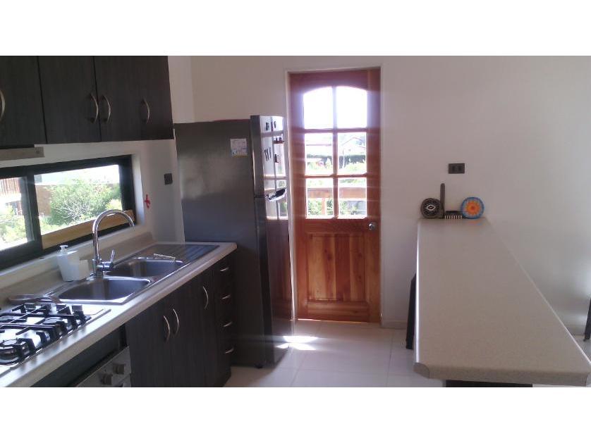 Preciosa Casa Amoblada con Piscina Excelente Ubicación Condominio Algarrobo Amplios espacios