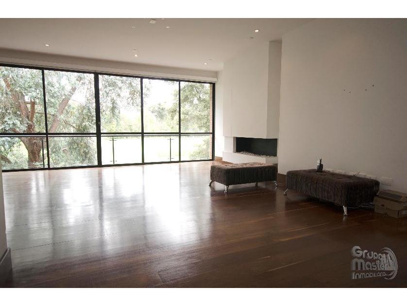 Se vende espectacular apartamento con la mejor vista del Country Club, en La Calleja, Bogotá