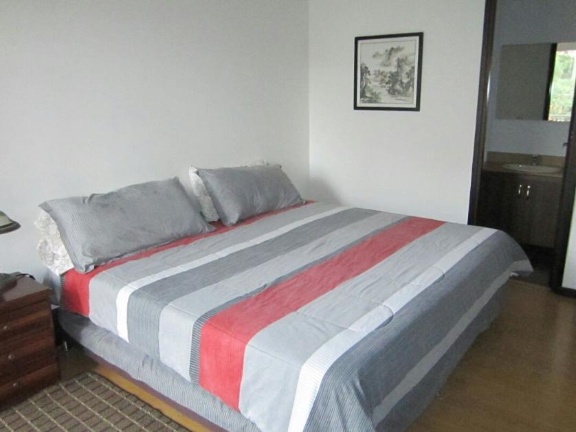 Apartamento en Arriendo Calle 12 # 30 -126, Lalinde, Medellín