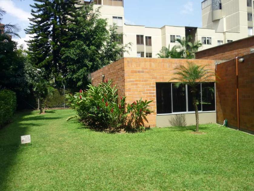 Apartamento en Arriendo Carrera 45 # 11-91, Patio Bonito, Medellín