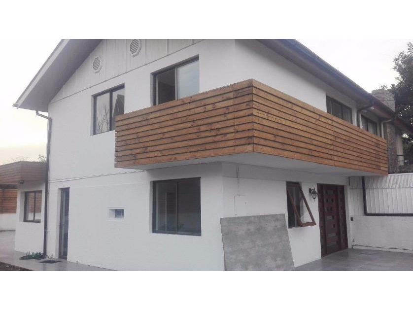 Bella Casa 2 pisos en Pontevedra, Avenida Cristobal Colon / Avenida Manquehue Sur 360M2, Las Condes