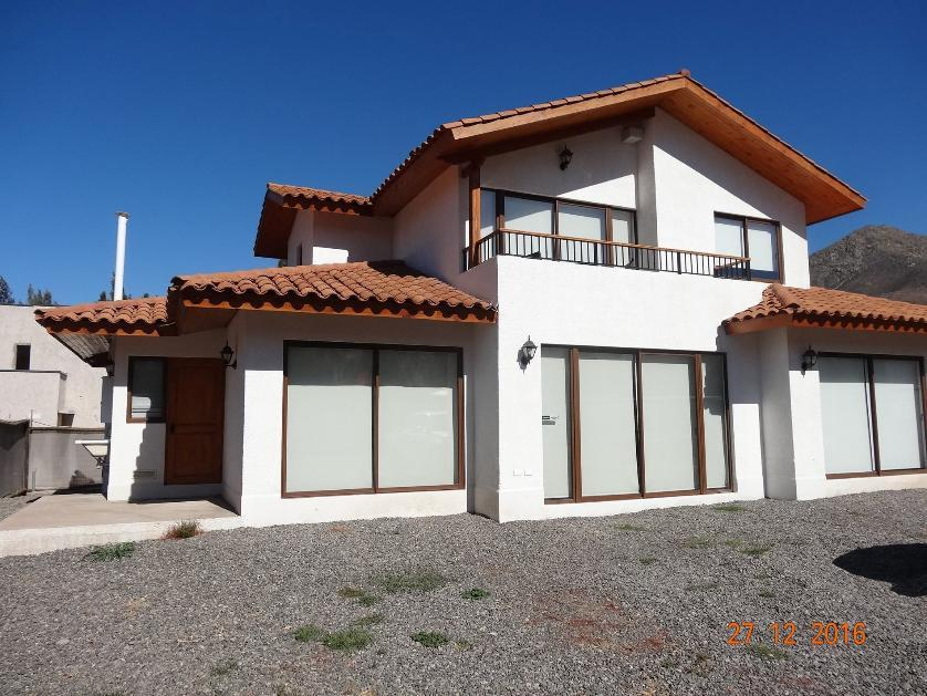 FERNANDEZ ESCOBAR Vende Casa Nueva Condominio Auco Rinconada
