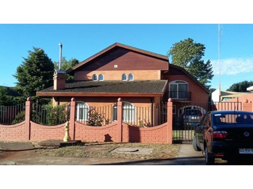 Vendo gran casa ubicada en sector residencial de Penco, Villa Los Aromos