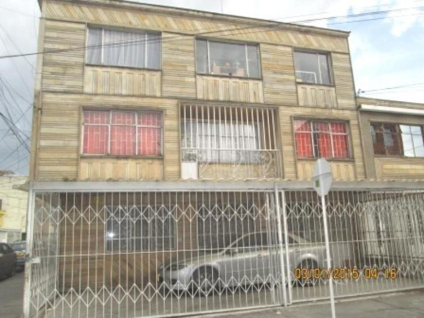 Cod VCYF8100 CASA en VENTA en Bogota Santa Isabel Occidental