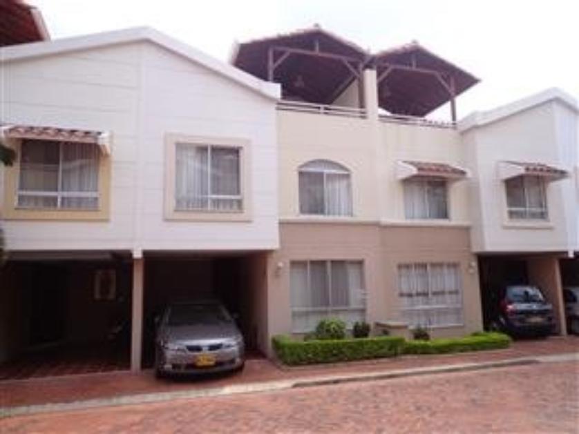 155 casas en venta en ciudad jard n comuna 1 compartir for Casa en ciudad jardin
