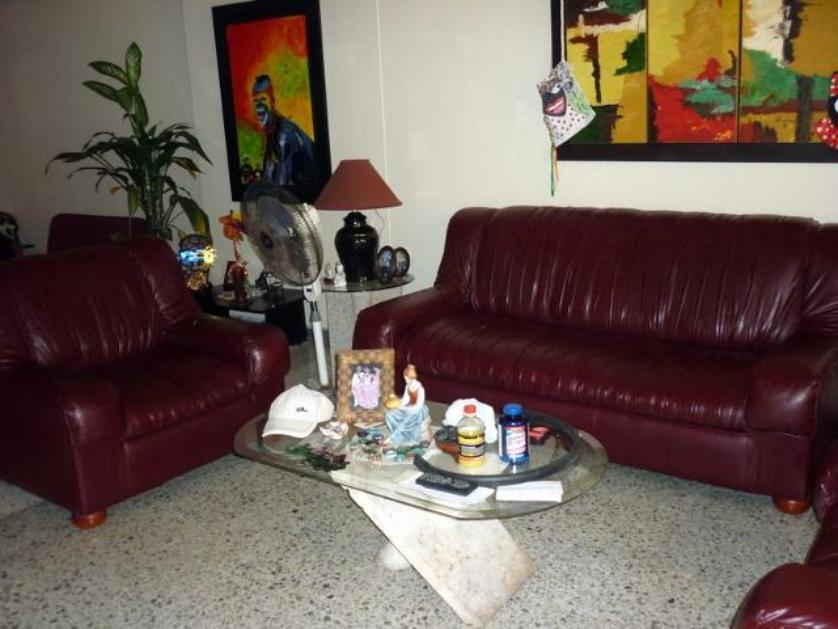 Ubicada en el barrio Limoncito estrato 4, cuatro alcobas dos baños, patio pequeño Si desea verla llame al 373