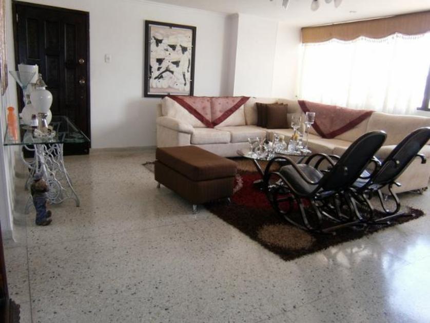 Ubicado en el barrio Nuevo Horizonte estrato cuatro, cuarto piso sin ascensor con una area de 124 metros,