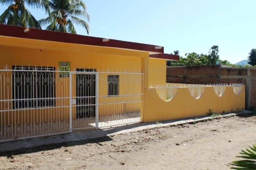 Renta casa en manzanillo colima 0000002 for Casas en renta en colima